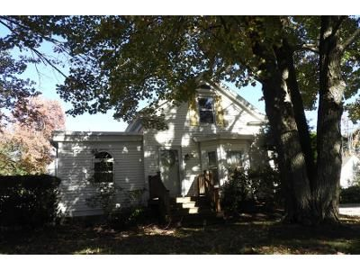 3 Bed 1 Bath Preforeclosure Property in Hampton, NH 03842 - Mace Rd