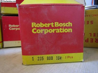 Bosch distributor cap 1 235 999 104