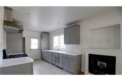 Downtown Craftsman - Fully Restored Cottage!