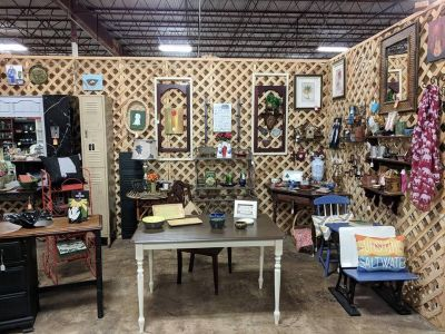Painted Dining Table @ Brass Bear 2652 Valleydale Rd Birmingham (Hoover area) AL 35244 -- 205-566-0601
