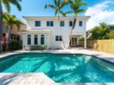 A1a 4/4.5 Pool Home 1 Block to Beach $6.500 MO. *** See Remarks & Photos***