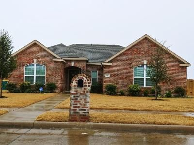 3 Bed 2 Bath Foreclosure Property in Red Oak, TX 75154 - Meadow Springs Dr
