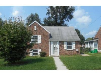 3 Bed 1 Bath Foreclosure Property in York, PA 17404 - Oatman St