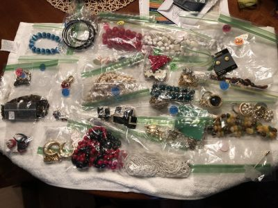 Over 25 pieces of jewelry