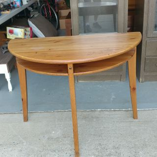 Half Moon 2 Level Table. 39x20x30