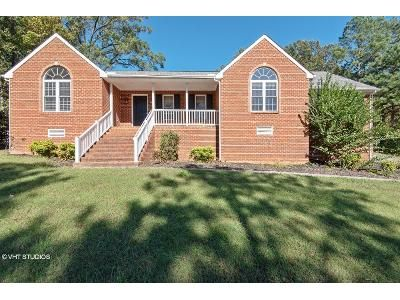 3 Bed 2.5 Bath Foreclosure Property in Mechanicsville, VA 23111 - Hill View Dr