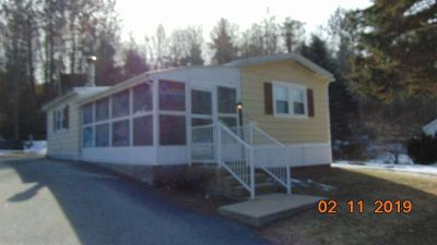 9 Scenic Drive Jaffrey Two BR, Move in ready as it sits