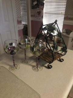 Wine Rack & 3 Glasses