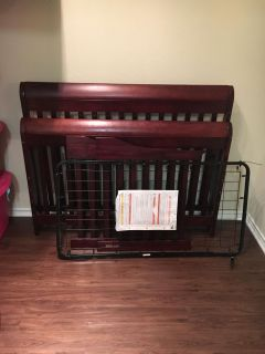 Baby crib, only used for 2 years.
