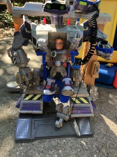 Rescue Heroes robot with action figures