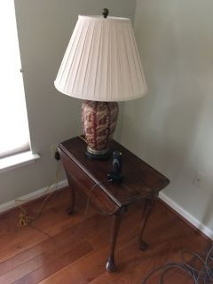 End tables (2) and lamp