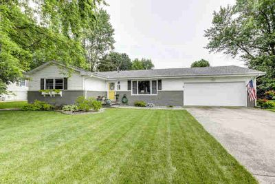 809 Robert Webb Drive MONTICELLO Three BR, Great home and