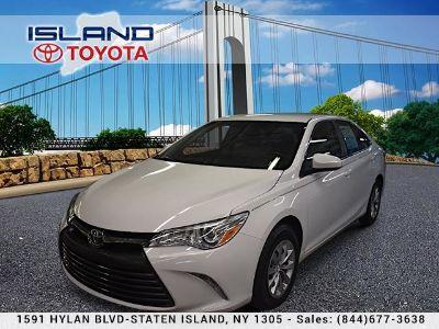2016 Toyota Camry L (Super White)