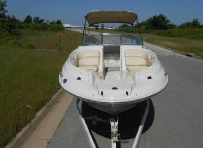 2001 .Sea Ray 240. Sundeck 24ft Deck Boat