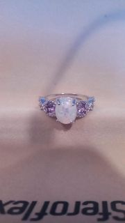 Size 8 opal ring