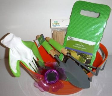 New! Gardening Set - Kneel Pad - Solar Light - Gloves - Tools + Bucket