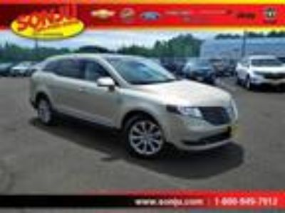 used 2017 Lincoln MKT for sale.