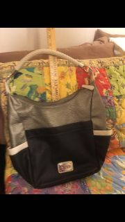 Kenneth Cole Reaction Purse. New