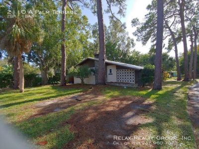 Affordable 2 bed/ 1 bath Annual Rental in Sarasota!