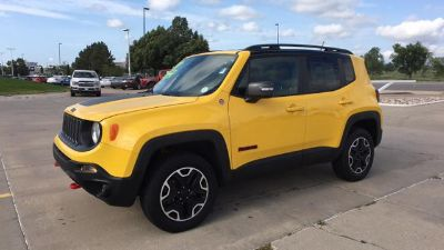 2017 Jeep Renegade Trailhawk 4x4 (Solar Yellow)