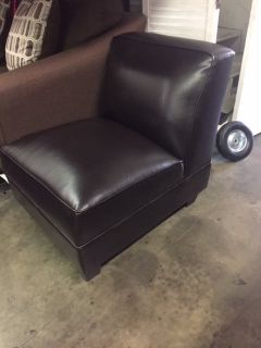 BRAND NEW! SINGLE LEATHER COMFY ARMLESS ACCENT CHAIR