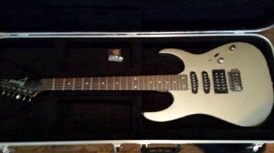 $180 OBO Ibanez Electric Guitar