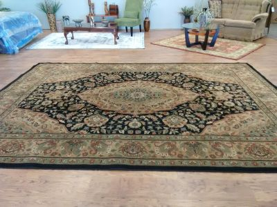 LARGE SHAW 9'x12' Gorgeous Area Rug - Beautiful Condition
