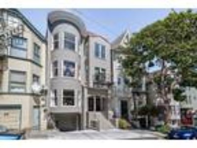 San Francisco Two BR One BA, Fully remodeled unit in a fully