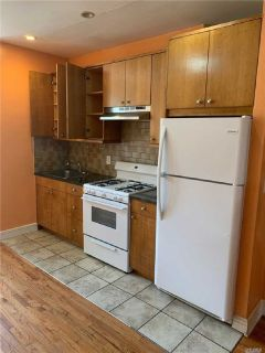 ID #: 1351852, Lovely 2 Bedroom Railroad Apartment for Rent in Ridgewood