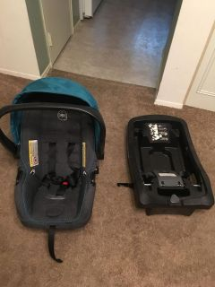 Infant car seat and 3 bases