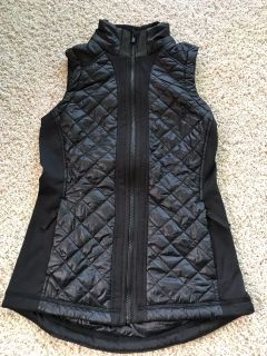 Athleta XXS black lightweight puffer vest, new without tags!