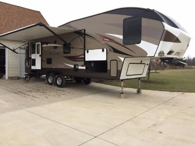 2016 Keystone Cougar 288RLS Fifth Wheel