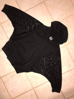 Cropped Like Sheer Arm Panel Black Hooded Athletic Top Sz. (OS) XL