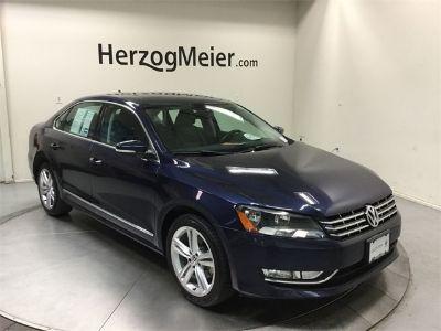 2014 Volkswagen Passat TDI SE (Night Blue Metallic)