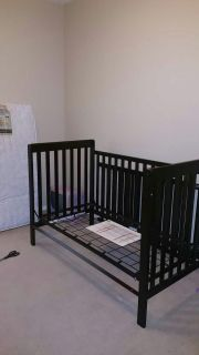 CRIB/TODDLER BED/TWIN
