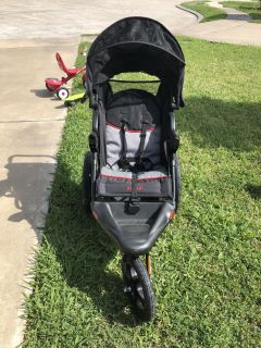 Jogging stroller needs air in the tires
