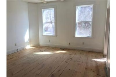 Single Family House for rent in Methuen! 3 Bedrooms, Landscaping included in rent