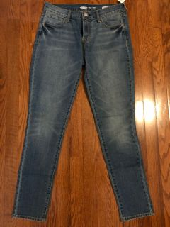 Old Navy Women s Jeans - size 6