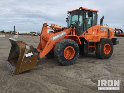 2013 Doosan DL250-3 Wheel Loader