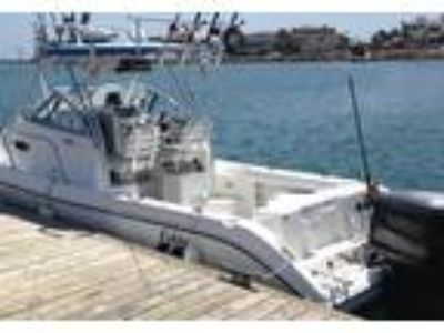 2000 Cobia 220-Walk-Around Power Boat in Simi Valley, CA