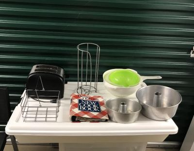 GUC bundle of kitchen items. Pick up in Tillmans Corner or meet at Rite Aid at Cottage Hill and university blvd.