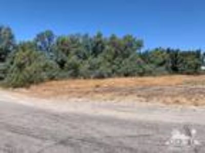 Desert Hot Springs, Level lot with terrific mountain views.