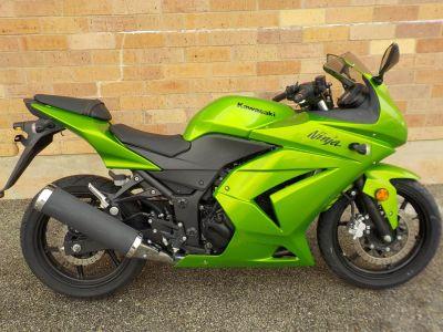 2012 Kawasaki Ninja 250R Street / Supermoto Motorcycles San Antonio, TX