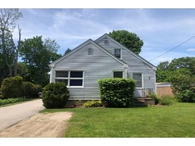 4 Bed 1 Bath Foreclosure Property in Attleboro, MA 02703 - Robinson Ave