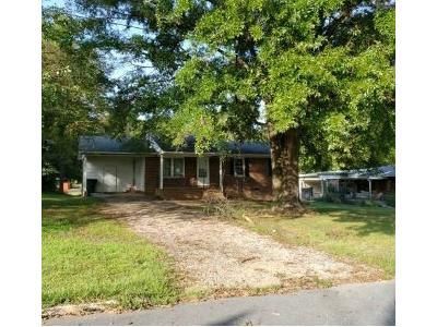 3 Bed 1 Bath Foreclosure Property in Eden, NC 27288 - Bedford Dr