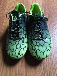 Soccer shoes size 13 or 14 boys