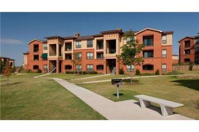 4 bedrooms Apartment - Located in Lewisville, Texas.
