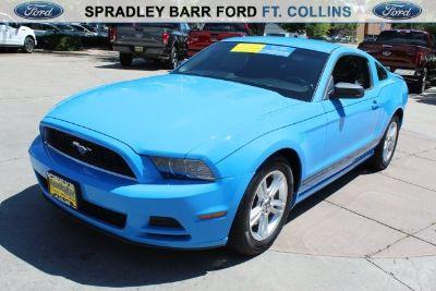 2013 Ford Mustang V6 Premium (Grabber Blue)