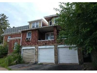 3 Bed 2 Bath Foreclosure Property in Easton, PA 18042 - Wood Ave