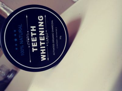 Organic teeth whitener